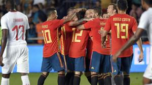 La selección celebrando el gol de Odriozola