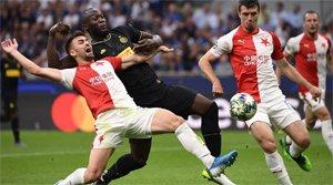 ¡El Slavia se adelanta en Milán! (ES)