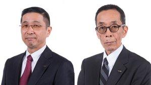 Hiroto Saikawa a la izquierda y el nuevo presidente, Yaushiro Yamauchi.