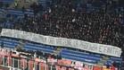 La afición del Milan mostró pancartas contra Donnarumma