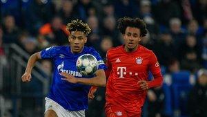 El futuro de Todibo en el Schalke, en compás de espera