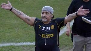 Maradona entrena a los Dorados de Sinaloa
