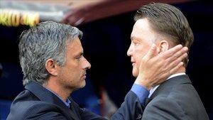 Mourinho y Van Gaal fracasaron en el banquillo del Manchester United