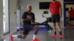 Neymar, entrenándose con el PSG