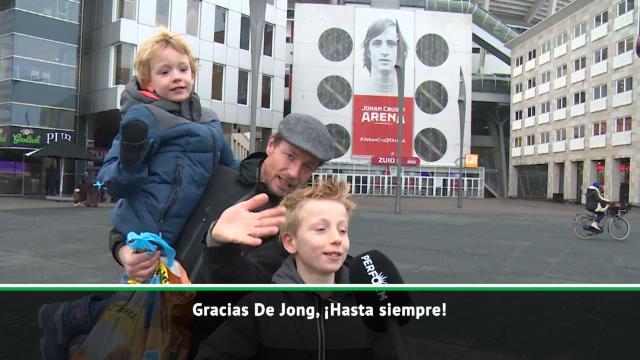 Opiniones dispares en la despedida de los aficionados del Ajax a De Jong