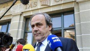 Platini, detenido por corrupción en Francia