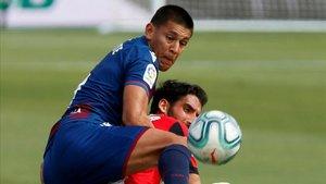 Raúl García se cargó él solito al Levante UD