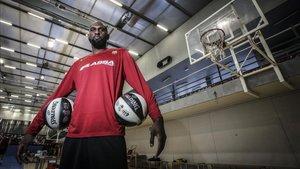 Singleton posa para SPORT en la Ciutat Esportiva