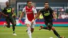 Standard de Lieja y Ajax participando en la Liga de Europa