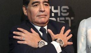 El tierno motivo por el que Diego Maradona llevaba siempre dos relojes