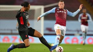 Van Dijk y el Liverpool encajaron 7 tantos ante el modesto Aston Villa en Villa Park