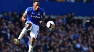 Yerry Mina juega actualmente en las filas del Everton