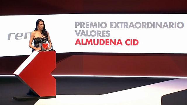 Almudena Cid recibe el Premio Valores Extraordinario de SPORT