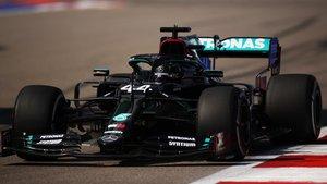 Brillante y trabajada pole de Hamilton en Rusia