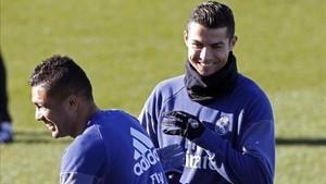Cristiano, sonriente en el entrenamiento del Madrid