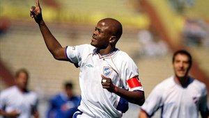 Dely Valdés fue capitán de la selección de Panamá por varios años