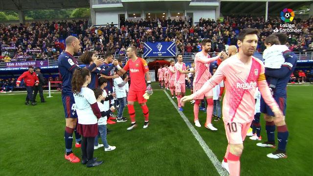 El Eibar hizo el pasillo de campeón al Barça