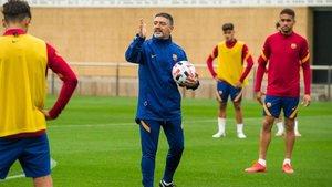 García Pimienta, en un entrenamiento del filial