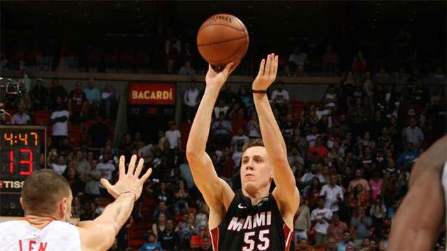 Los Heat vencen en la prórroga a Atlanta Hawks (135-121)