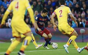 Luis Suárez hizo añicos a la zaga del Sporting
