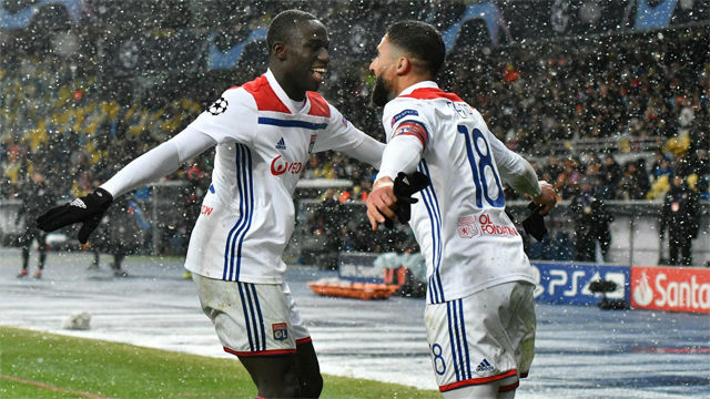 El Lyon rasca un empate para pasar a octavos