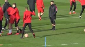Mbappé demuestra por qué adora la pelota