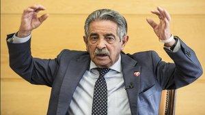Miguel Ángel Revilla critica la gestiñon de la pandemia y afirma: fui al 8M y fue un error