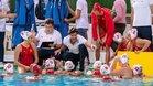 Miki Oca da instrucciones a las jugadoras españoles
