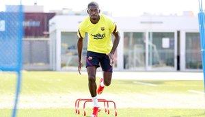 Ousmane Dembélé durante su sesión de entrenamiento en la Ciudad Deportiva de Sant Joan Despí