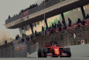 El piloto monegasco de Ferrari, Charles Leclerc, durante la segunda jornada de los entrenamientos oficiales de pretemporada de Formula Uno que se celebran en el Circuito de Barcelona-Catalunya.