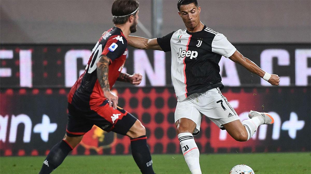 Zambombazo de Cristiano desde la frontal para adelantar a la Juve frente al Genoa