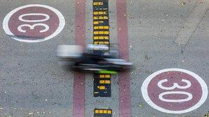 Zona de circulacion limitada a 30 km h en el Passeig Salvat Papasseit de la Barceloneta