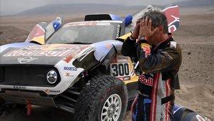 Carlos Sainz no culminó de buena manera la quinta etapa del Dakar 2019