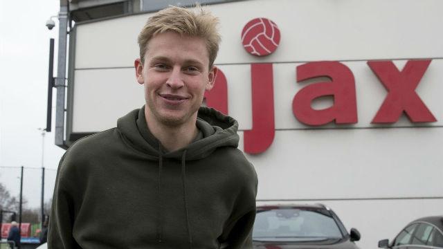El club de la mitja nit afirma que De Jong fichará por el Barça