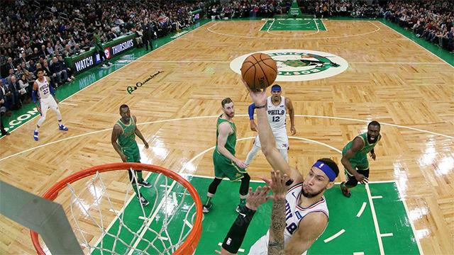 Embiid y los 76ers pueden con los Celtics