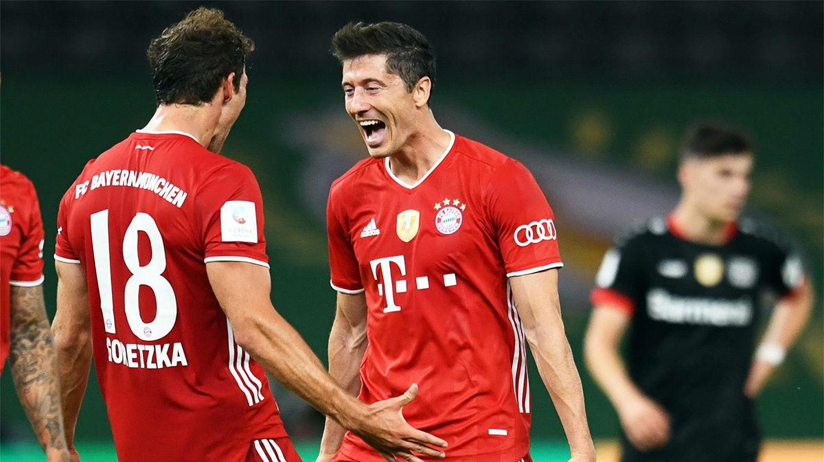 51 goles de Lewandowski, y Flick lo ve serio candidato al Balón de Oro