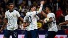 Leo Messi celebra con sus compañeros el 1-2 ante Venezuela