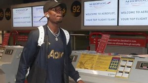 Pogba volvió más tarde de lo previsto a Manchester