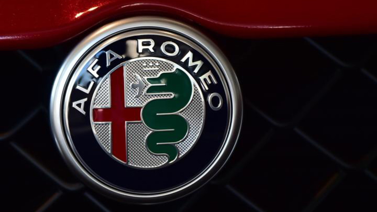 el secreto del escudo de alfa romeo. Black Bedroom Furniture Sets. Home Design Ideas