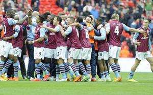 El Aston Villa celebrando el pase a la final de la FA Cup