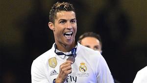 Cristiano Ronaldo durante las celebraciones del Real Madrid por la conquista de la Champions 2016/17