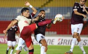 Dos Santos anotó el gol del empate de Universitario