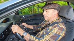 El Gobierno descarta identificar a los conductores mayores con una M