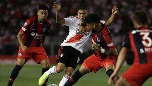 Juanfer Quintero salió golpeado del partido ante Rosario Central