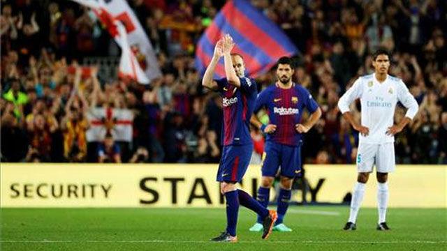 LALIGA | FC Barcelona - Real Madrid (2-2): Iniesta fue ovacionado tras ser relevado en su último Clásico