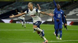 Lamela logró el gol del empate para el Tottenham.