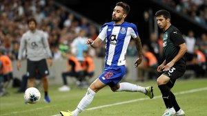 El Oporto sufrió para vencer por la mínima al Basaksehir turco