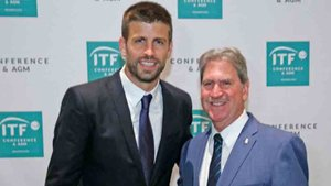 Piqué y David Haggerty, presidente de la ITF