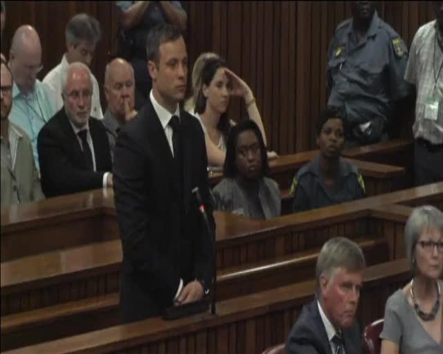 Pistorius cumplirá una condena de cinco años de cárcel