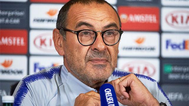 Sarri habló sobre la situación de Fàbregas en el Chelsea